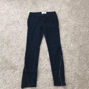 Rachel Roy sz 27 skinny jeans with zipper detail